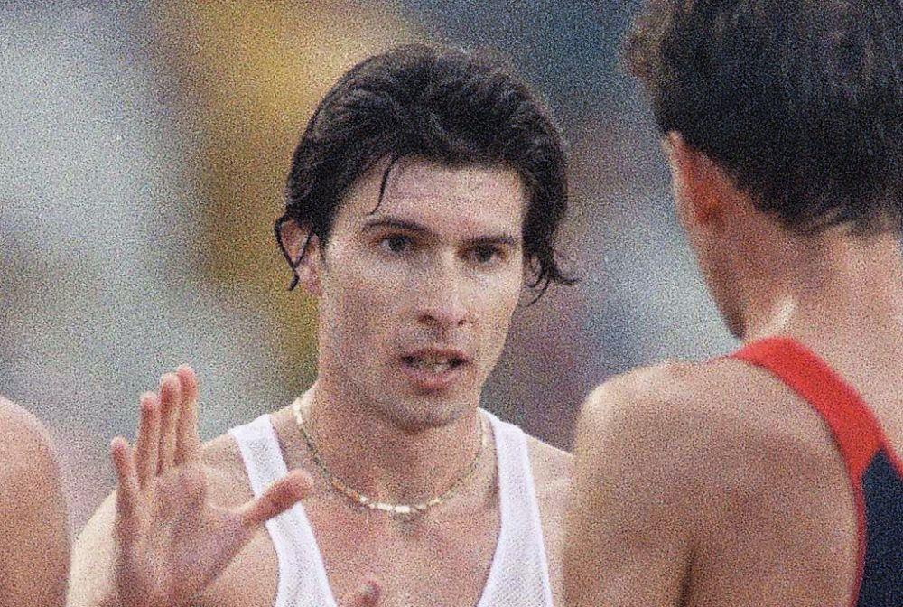 Il rapinatore è stato fermato da Giovanni Angelo Maria De Benedictis, nato proprio a Pescara l'8 gennaio1968, exatletaitalianospecializzato nellamarcia. (Credits – AP)