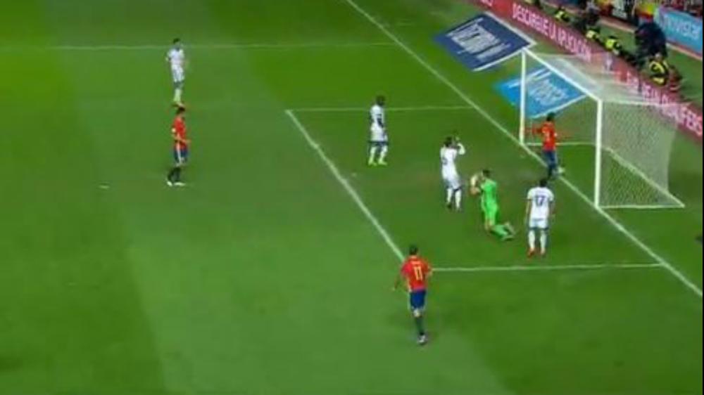 El perfecto gesto de Silva en el segundo gol de España