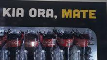 """""""Hola, Muerte"""": el error garrafal de Coca-Cola al combinar idiomas en Nueva Zelanda"""