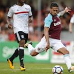 Manuel Lanzini will not be Liverpool's Philippe Coutinho replacement, insists Slaven Bilic