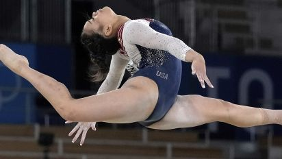 New rules mean big bucks for Suni Lee