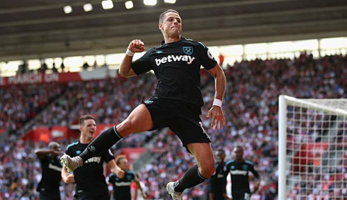 """Premier League: West Ham: Chicharito """"würde sogar Linksverteidiger spielen"""""""