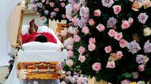Con estiletes y ataúd dorado: El velorio de Aretha Franklin