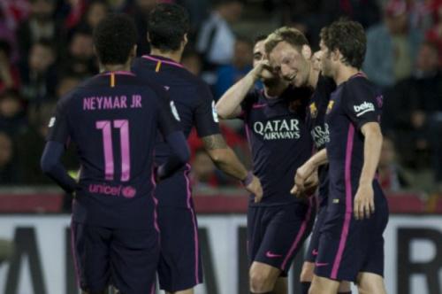 Neymar marca 100º gol, Barça vence e segue na briga pelo título Espanhol