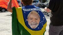 Inelegível, Lula empata com Bolsonaro em segundo turno, diz pesquisa