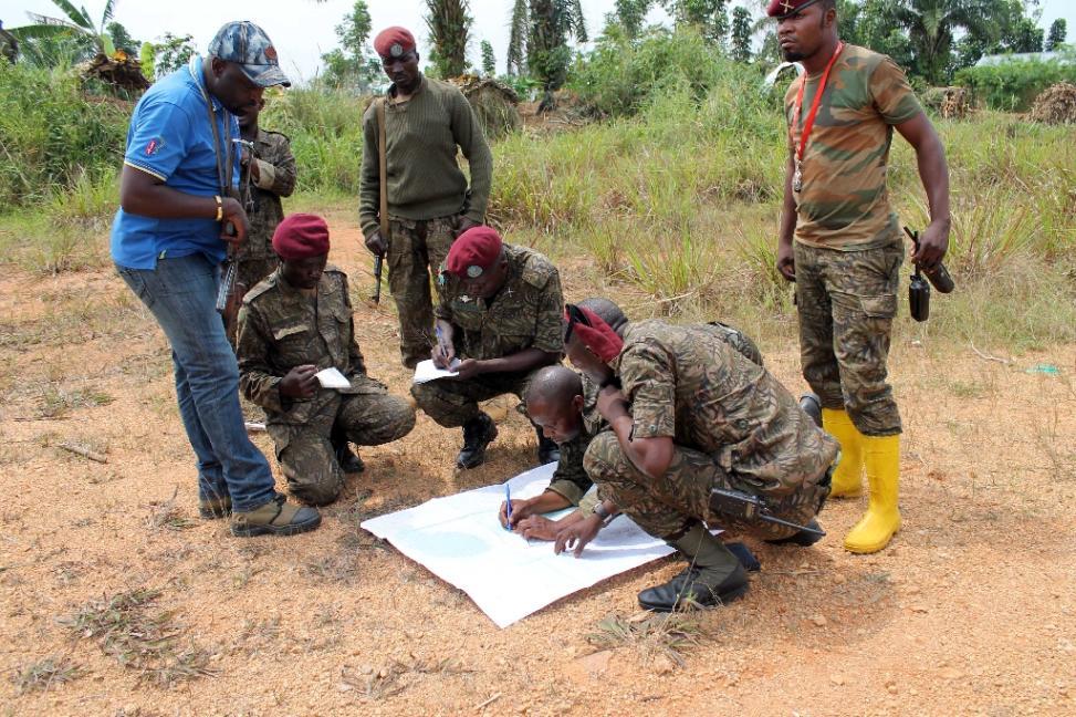 Dr Congo troops prepare to fight Ugandan Islamist ADF-Nalu rebels near Beni in the east of the country (AFP Photo/Alain Wandimoyi)