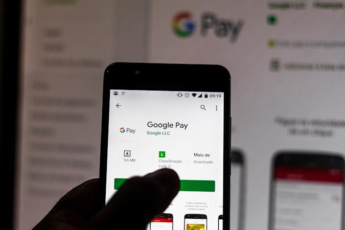 BRAZIL - 2019/09/11: In this photo illustration the Google Pay logo is seen displayed on a smartphone. (Photo Illustration by Rafael Henrique/SOPA Images/LightRocket via Getty Images)