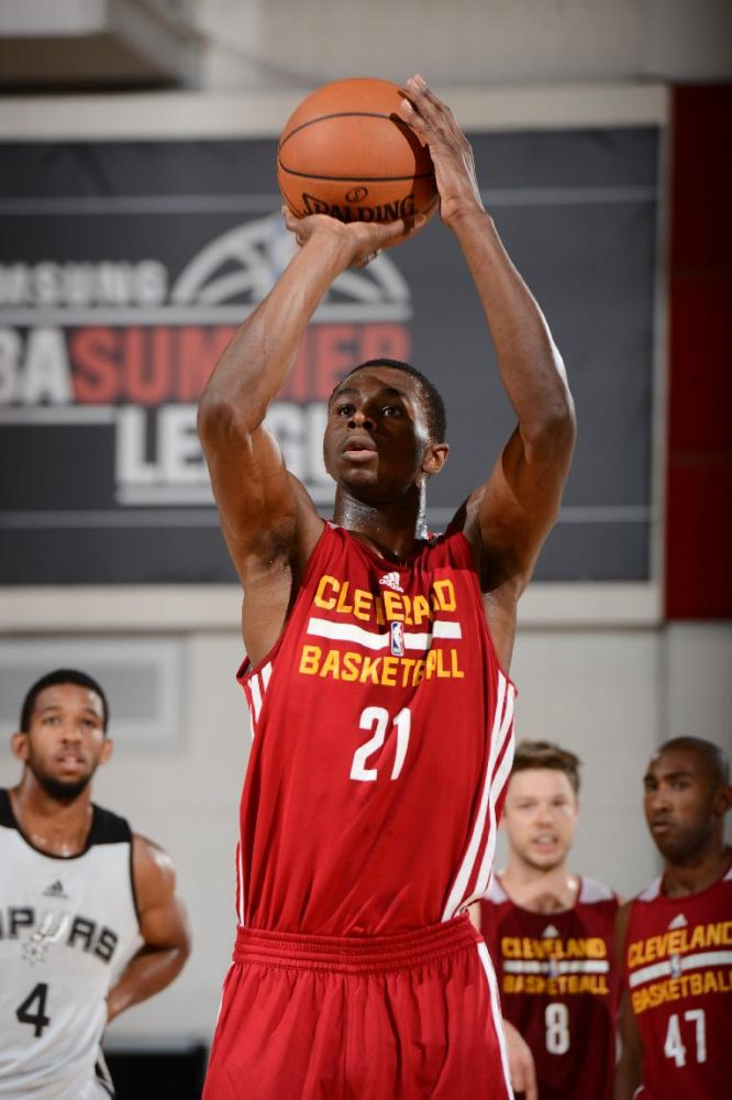 Cavs sign Wiggins, who can't be traded for 30 days