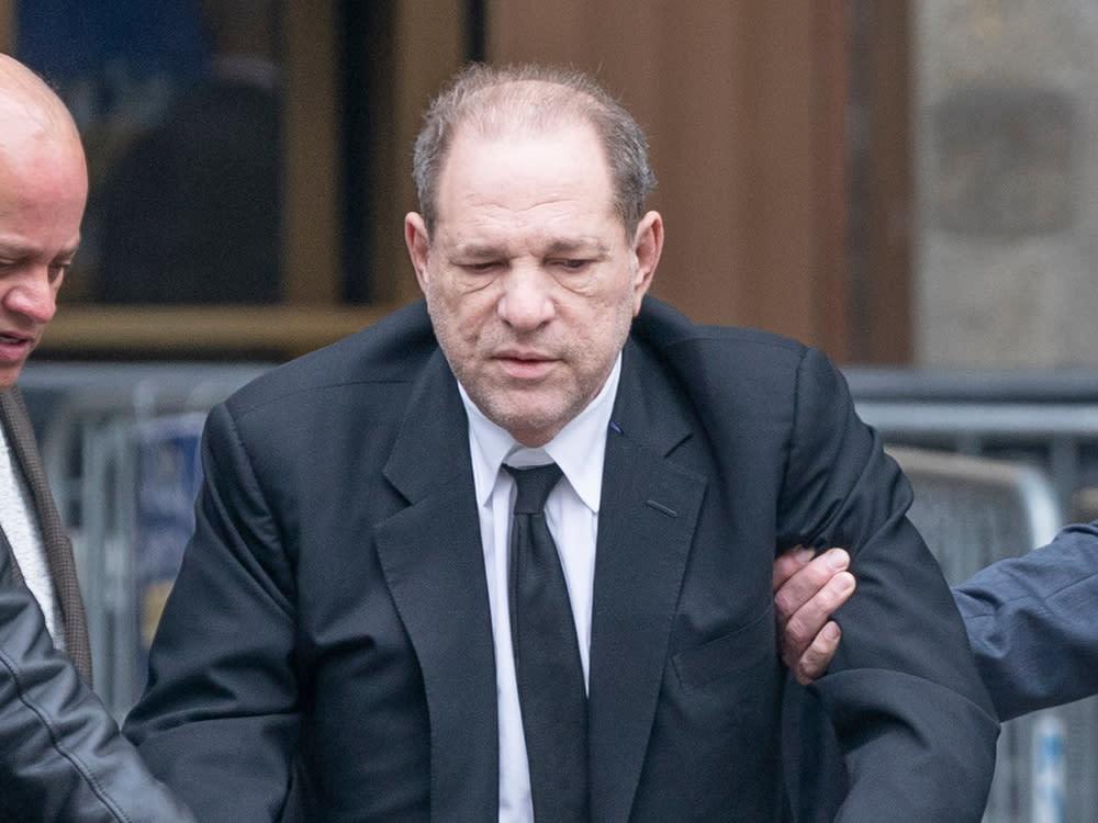Corona-Verdacht: Harvey Weinstein ist im Gefängnis erkrankt