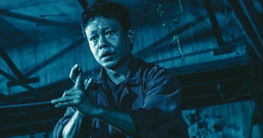 <strong>第六名:《鍾馗:粽邪2》</strong><br>上映日期:2020-09-02<br><br>取自台灣彰化沿海一帶「送肉粽」傳統民俗送煞儀式的《粽邪》,在2018年上映之後轟動一時,不僅讓這個中部沿海的神秘儀式受到關注,也成為新聞媒體爭相報導的題材之一。第一集的優異表現讓團隊信心大增,決定挖掘更多有關「送肉粽」儀式的靈異面紗。<br><br>拍板定案的續集《鍾馗:粽邪2》除了原始班底之外,還邀得影帝李康生加盟。除此之外更添入了另一項台灣民俗信仰元素「椅仔姑」。儘管電影尚未上映、卻已引起諸多討論,也讓這部尚未上映的《鍾馗:粽邪2》拿下Yahoo上半年站內恐怖驚悚電影搜尋榜第六名。