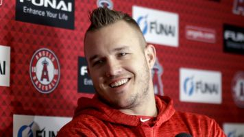 Report: Trout and Angels nearing record extension