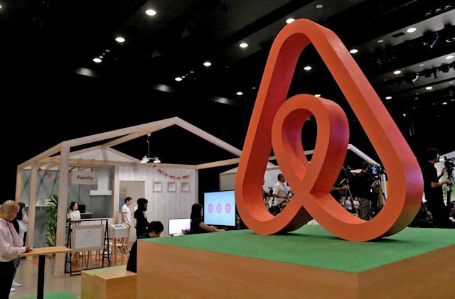 Airbnb hopes to give hosts a stake in the company