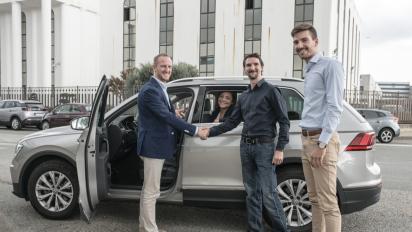 Carpooling aziendale, in sei mesi risparmiato mezzo milione di euro condividendo l'auto