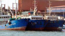 Les bateaux-usines pillent les eaux poissonneuses du golfe de Guinée aux dépens des populations, affirme Greenpeace