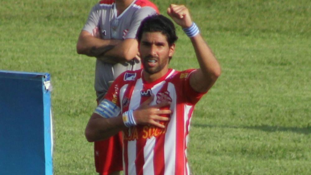 Depois de apenas 10 jogos, Loco Abreu se despede do Bangu