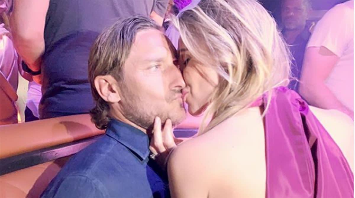 Anniversario Matrimonio Totti.Ilary Blasi E Francesco Totti Il 14 Anniversario Di Matrimonio