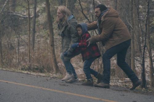 Elisabeth Moss as Offred, Jordana Blake as Hannah and O-T Fagbenle as Luke in Hulu's The Handmaid's Tale. (Credit: George Kraychyk/Hulu)