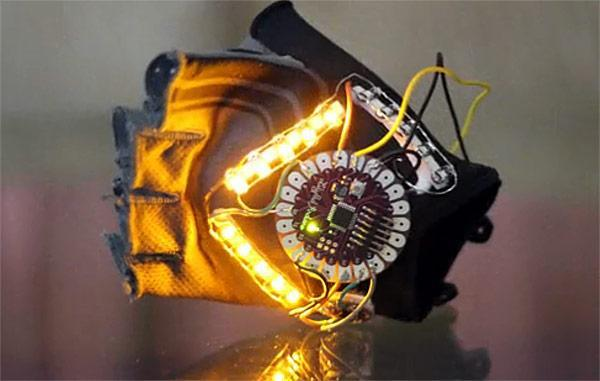 Insert Coin: YouTurn accelerometer-based turn signal system for cyclists