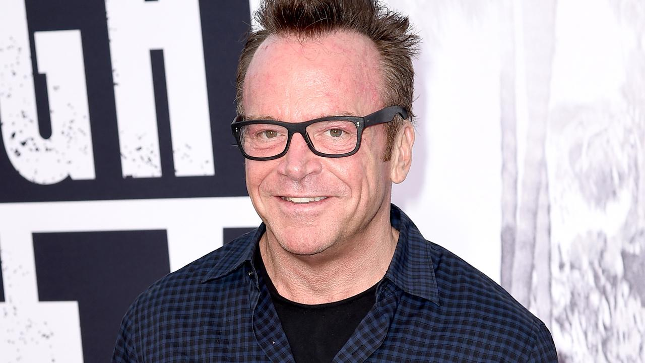 tom arnold pens passionate essay arguing for gun control after tom arnold pens passionate essay arguing for gun control after nephew s suicide