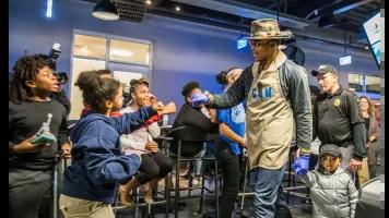 Cam feeds 1,200 kids at 'Turkey Jam' event