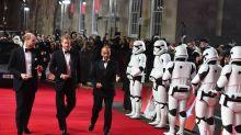 """""""Star Wars""""-Premiere: William und Harry treffen auf BB-8"""
