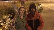 """Usa, maxi colletta per il senzatetto che donò i suoi ultimi risparmi a una passante: ma la """"fiaba"""" è una truffa"""