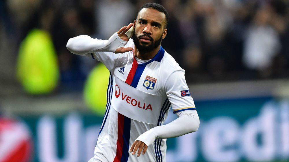 Lacazette über Wechsel-Gerüchte: Will Champions League spielen