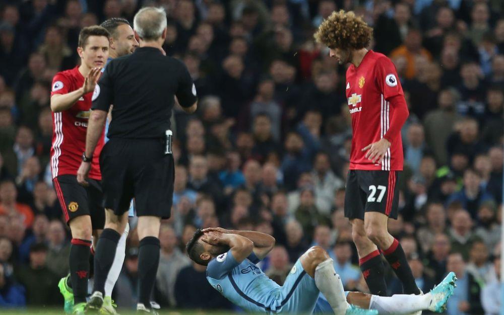 marouane fellaini red card - 2017 Manchester United FC