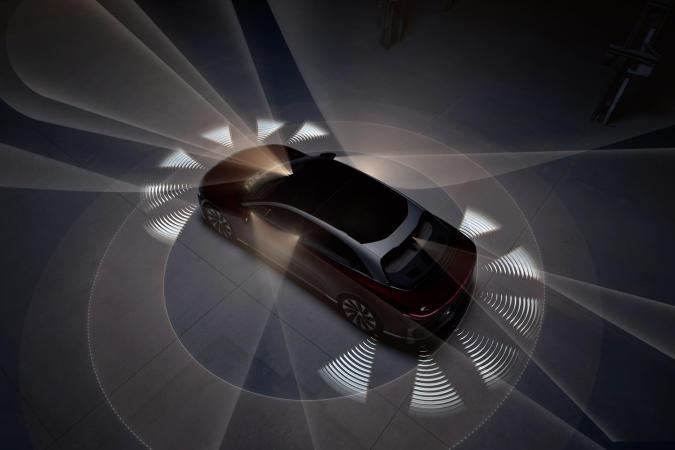Lucid Air DreamDrive semi-autonomous driving assistance sensors