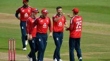 England seamers do damage to restrict Australia to 157 at Ageas Bowl
