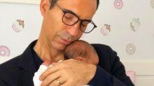 'Hoje minha menininha completa 10 dias', celebra César Tralli durante jornal da Globo