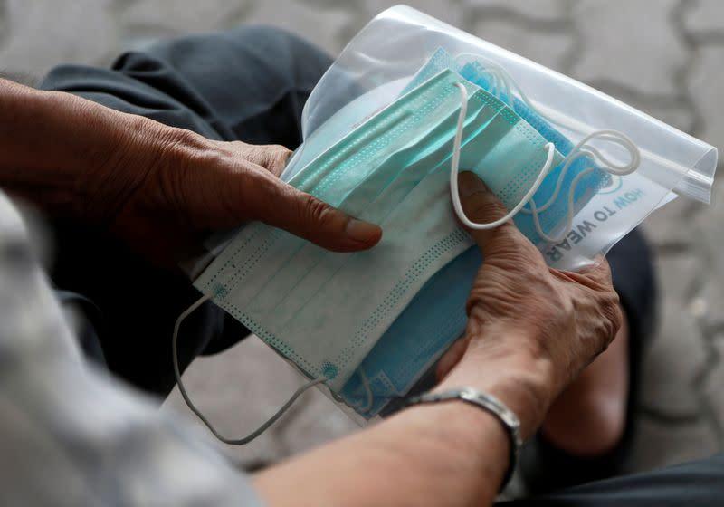 China coronavirus death toll jumps past 400 class=
