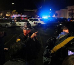Police search for gunman who killed five at Washington state mall