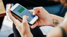 Las infecciones que podrías contraer por no limpiar bien tu móvil
