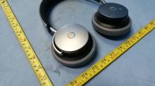 A mysterious pair of Google headphones have shown up in FCC filings