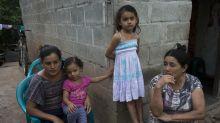 Dos caras de la caravana: los que migran, los que se quedan