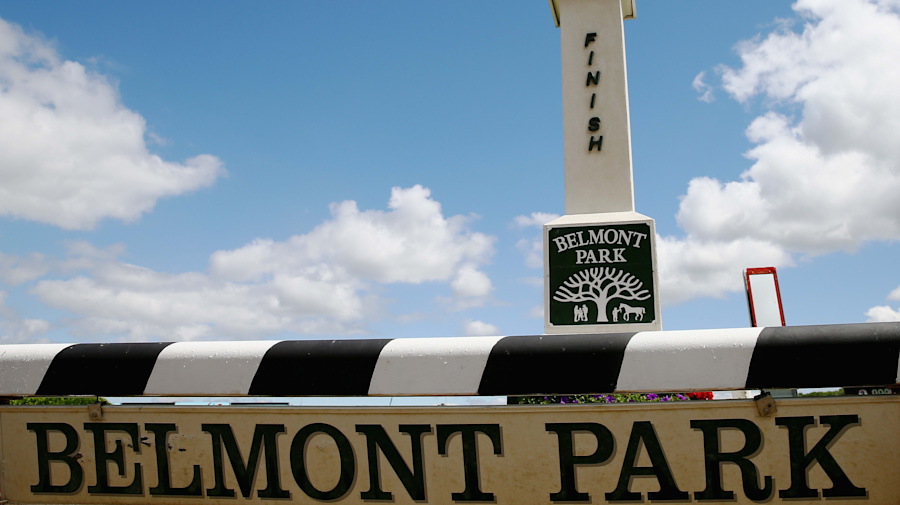 Barn fire at Belmont Park kills 2 race horses