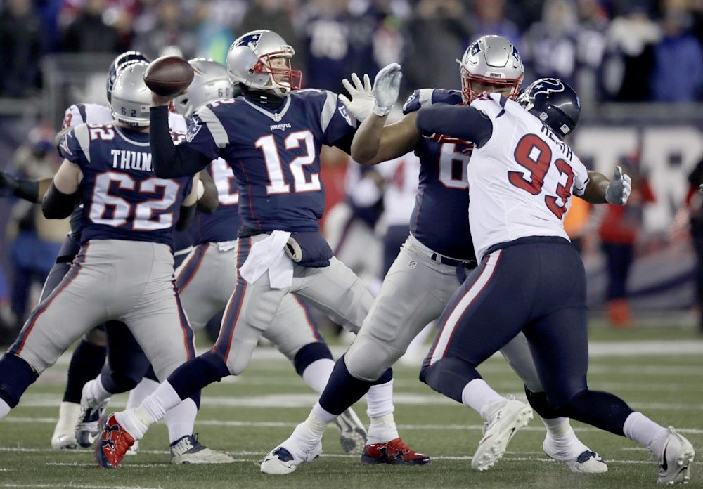 Last year the Patriots hosted the Texans on Saturday evening, a game that resulted in a decisive 34-16 New England victory. (AP)