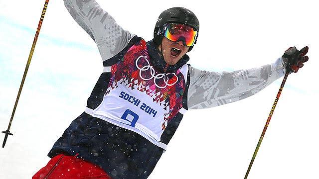 David Wise makes ski halfpipe history