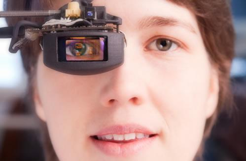 Eye-tracking microdisplay delivers Terminator vision, distracts joggers