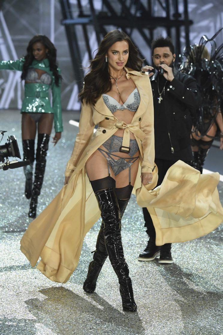 c8ee4d465d Irina Shayk Reportedly Is Pregnant and Walked the Victoria s Secret ...