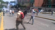 Riot Police Block Protesters From Marching to Military Complex in Caracas