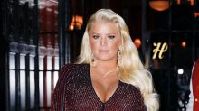 Jessica Simpson gives birth to daughter Birdie