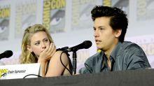 """Protagonisas de """"Riverdale"""" rompen su noviazgo"""