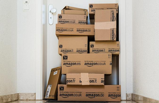Amazon delivery drivers sue for employee benefits and compensation