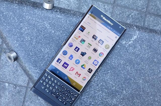 BlackBerry Priv review: Android alone can't save the company