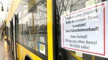 Corona-Pandemie: BVG-Busse bekommen Glaskabinen