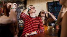 """Espanha anuncia que vai eliminar o """"Happy Hour"""" – e você estará de acordo"""
