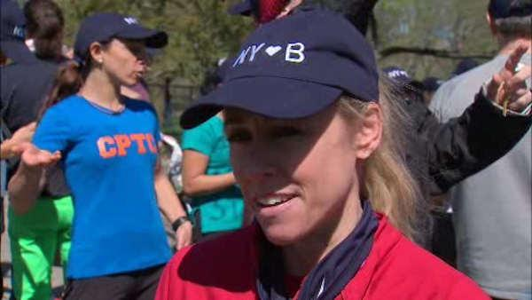 New Yorkers come together to show support for Marathon victims