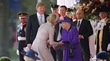 Queen Maxima kisses the Queen during State Visit